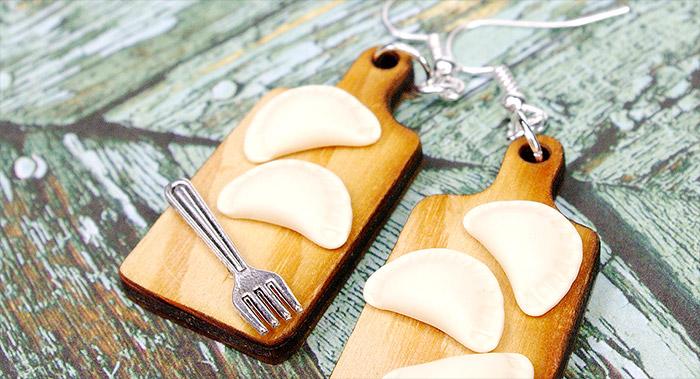 biżuteria z pierogami