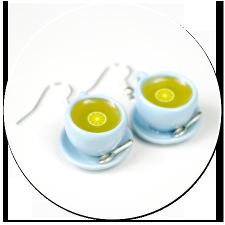 kolczyki pastelowe filiżanki z herbatą