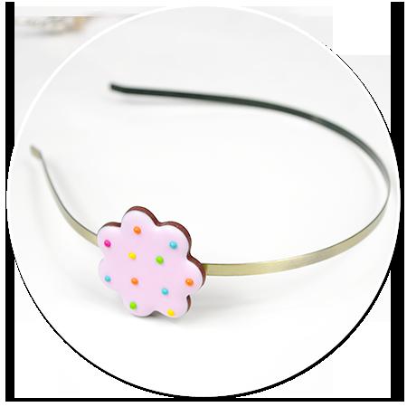 opaska z ciastkiem kwiatkiem (różowe)