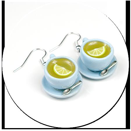 kolczyki niebieskie filiżanki z herbatą
