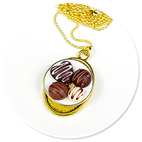 necklace plate of pralines no. 4