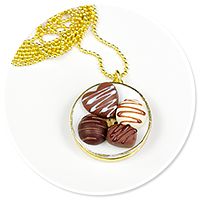 necklace plate of pralines no. 5