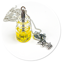 necklace with honey jar