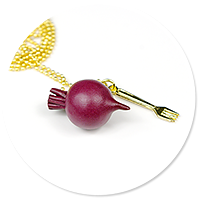 necklace with beetroot