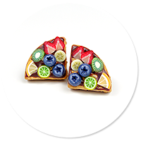 plug-in earrings waffles with fruits
