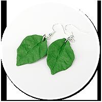 wiszące kolczyki liście