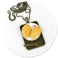 necklace with sheep cheese no. 2