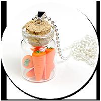 naszyjnik słoiczek z marchewkami