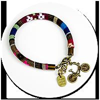 kolorowa bransoletka z zawieszką