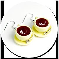 kolczyki pastelowe filiżanki z kawą