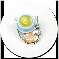 broszka taca z filiżanką i ciastkiem nr 2