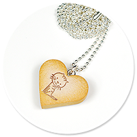 necklace cookie with cat