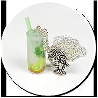 naszyjnik z drinkiem
