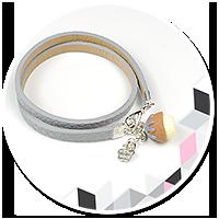 szara bransoletka z mini babeczką