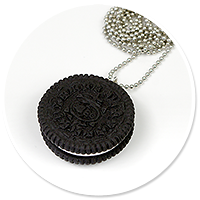 necklace oreo