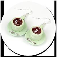 kolczyki zielone filiżanki z kawą