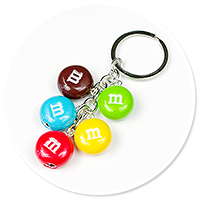 breloczek z cukierkami m&ms
