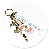 keyring with cupcakes (for traveler)