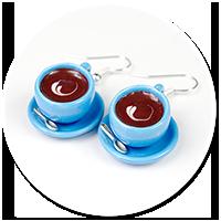 kolczyki niebieskie filiżanki z kawą