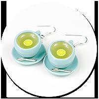 kolczyki miętowe filiżanki z herbatą