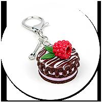breloczek torcik czekoladowy z maliną nr 3