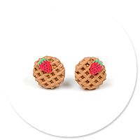 earrings round waffles with strawberry