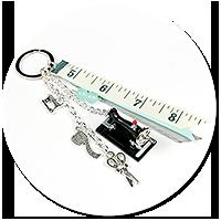 breloczek dla krawcowej z maszyną do szycia nr 2