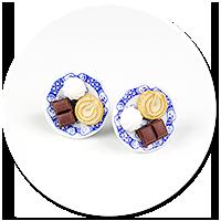 kolczyki wtykane talerzyki ze słodyczami