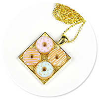 necklace plate of donuts no. 3