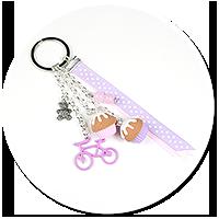 breloczek z babeczkami i rowerem nr 5