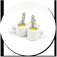 kolczyki kubki z herbatą