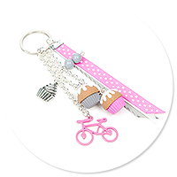 keyring with cupcakes and bicycle