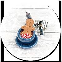 broszka świąteczna filiżanka z gorącą czekoladą nr 3
