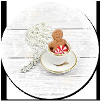 naszyjnik świąteczny filiżanka z gorącą czekoladą
